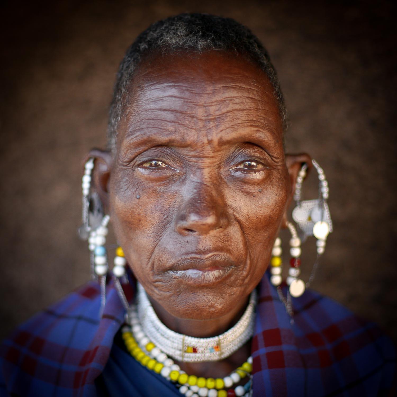 Massai Frau  (GH)  091130726